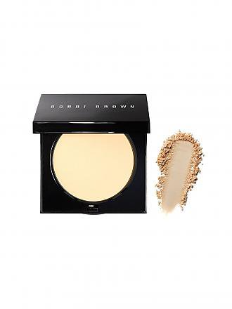 BOBBI BROWN | Sheer-Finish Pressed Powder (05 Soft Sand) | beige