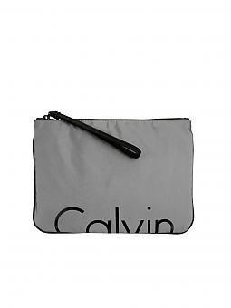 calvin klein jeans tasche clutch grau. Black Bedroom Furniture Sets. Home Design Ideas
