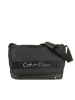 calvin klein jeans tasche schwarz. Black Bedroom Furniture Sets. Home Design Ideas