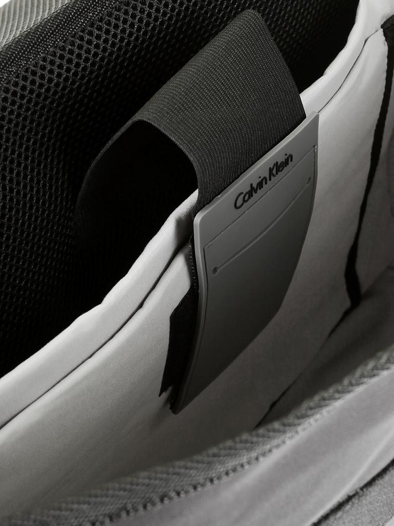 calvin klein jeans tasche schwarz. Black Bedroom Furniture Sets. Home Design Ideas