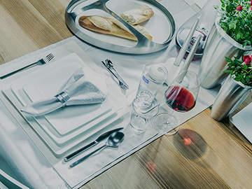 Ein schön gedeckter Tisch hinterlässt nicht nur bei Gästen einen guten Eindruck.